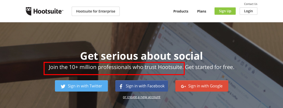 Hootsuite mentions its number of users on homepage